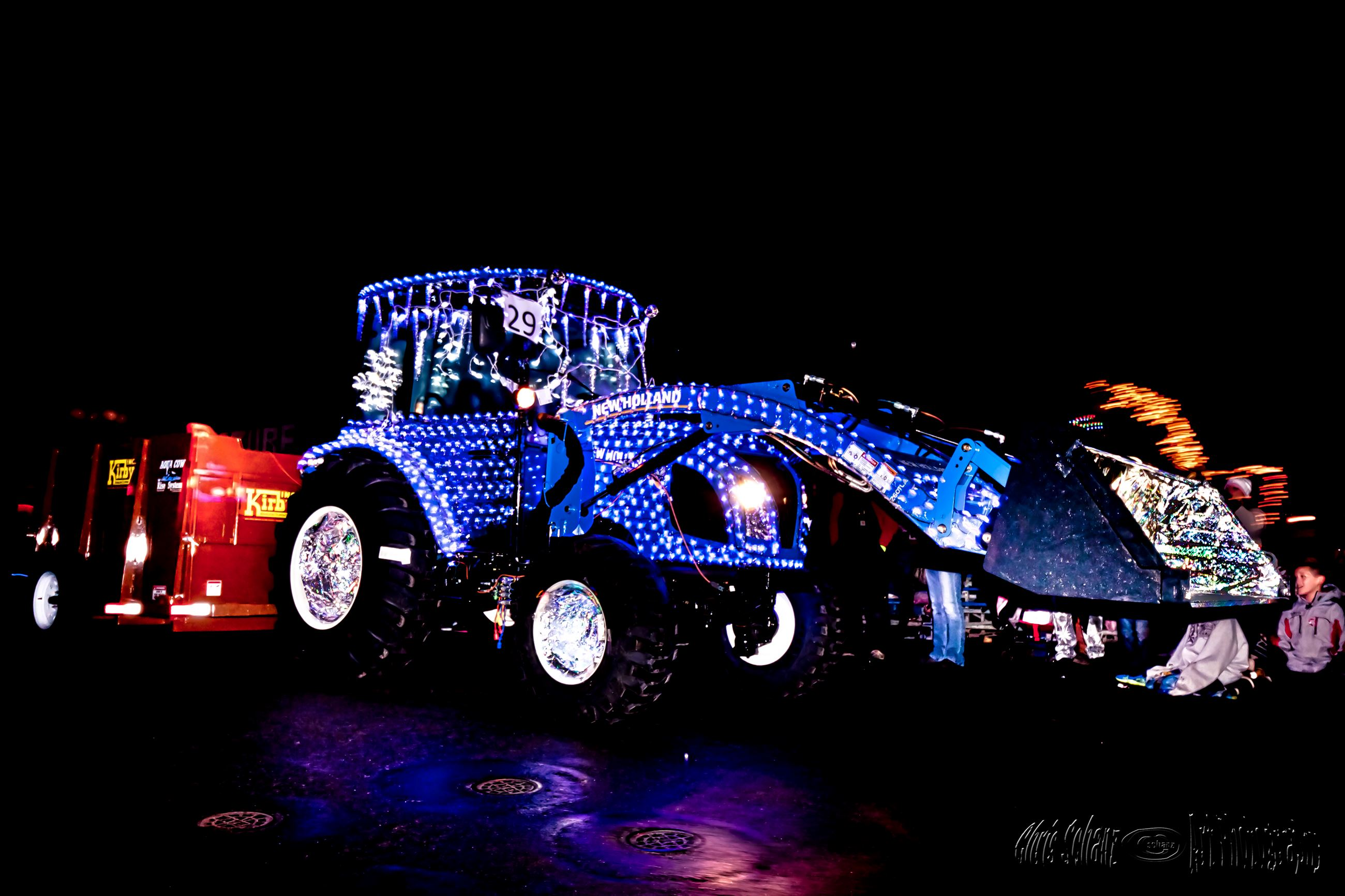 Lighted Farm Implement Parade (125)